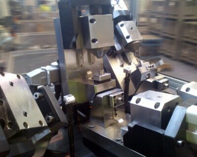 Hydraulic tooling